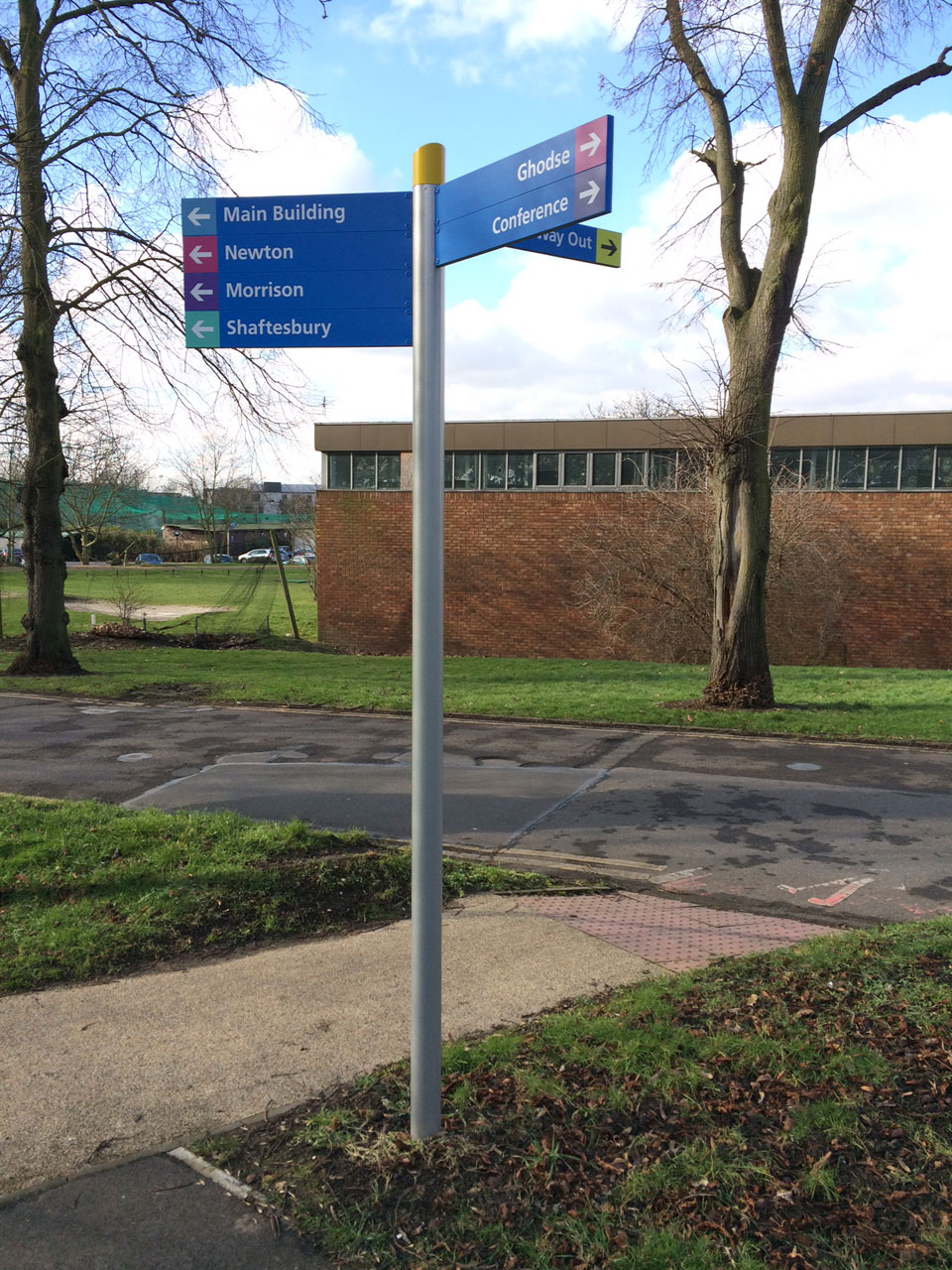 Healthcare - Traffic and Pedestrian Signage